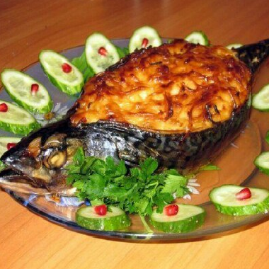 Запеченая скумбрия с овощами