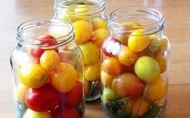 marinovannye pomidory kladem v banki