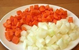 vegetarianskoe ragu rezhem morkov